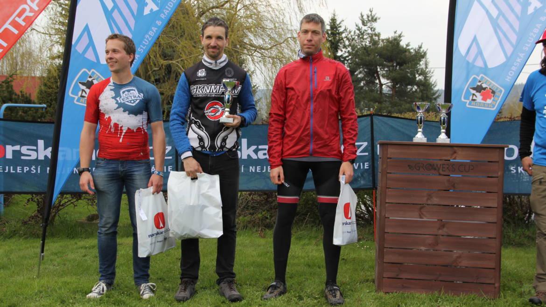 Úvodní závod série 7 pohoří ovládli Dušan Podroužek a Marie Jiřičková